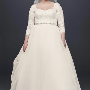 Oleg Cassini Dresses - Oleg cassini plus size beaded lace wedding dress